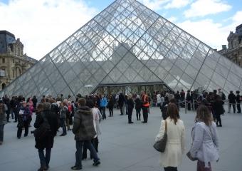Louvre_smaller_P1010752