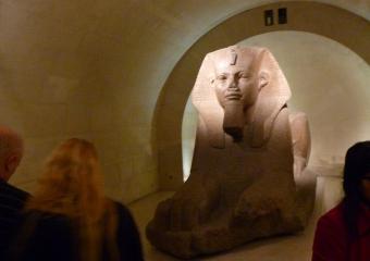 Louvre_smaller_P1010923