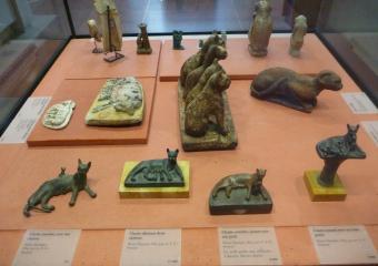 Louvre_smaller_P1010928