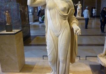 Louvre_smaller_P1010969