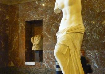 Louvre_smaller_P1010992