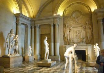 Louvre_smaller_P1020005