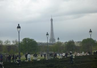 Eiffel-tower_smaller_P1010775